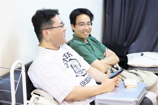 ヴィンテージ神・飯野選手と挑戦者・鳥海選手。元々顔なじみということもあり、リラックスした雰囲気です。