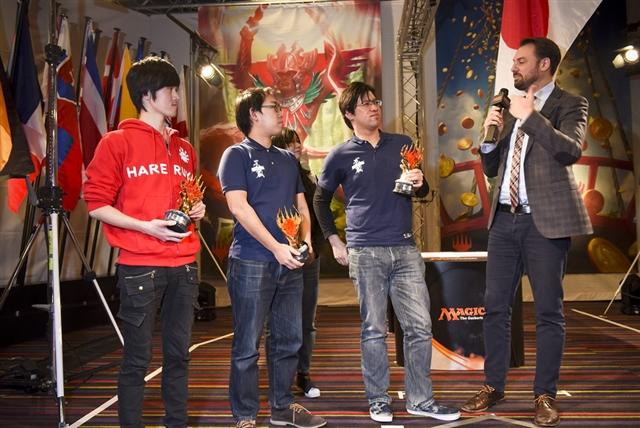 日本代表チームへのインタビューの様子